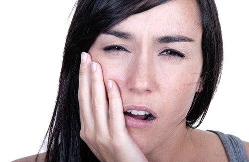Hvordan behandle tannverk?