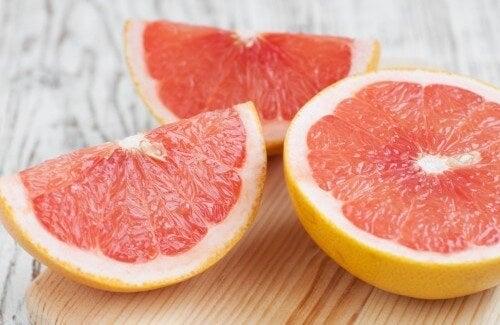 Gå enkelt ned i vekt med grapefrukt