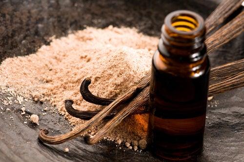 Lær deg å lage naturlig vaniljeparfyme