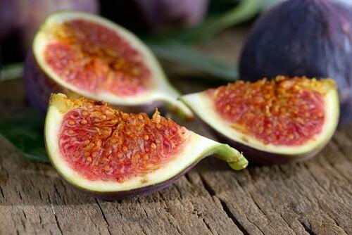 Ned i vekt med frukt: Naturlig vanndrivende