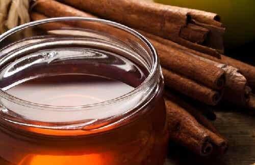 Kanel og honning for bekjempelse av gikt