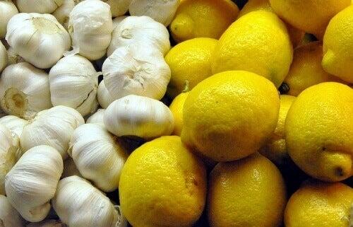 Hvitløk-og-sitron