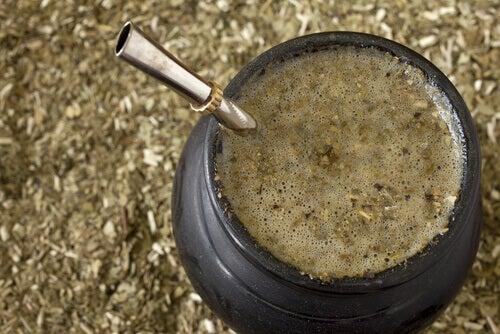 Gå ned i vekt ved å drikke yerba mate. Du kan til og med endre genene dine og forebygge problemet.