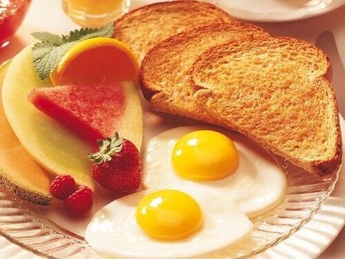 Å spise en god frokost legger 5 år til livet ditt