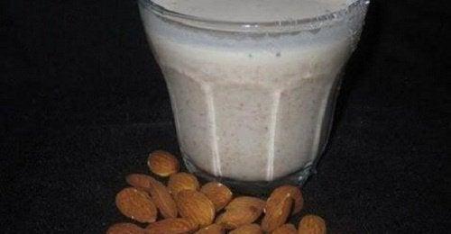 Fordeler med mandelmelk
