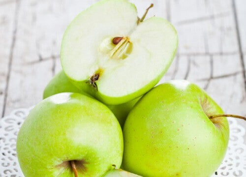 Kan et eple om dagen beskytte deg mot fedme?