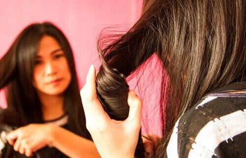 Enkle frisyrer du kan lage hjemme