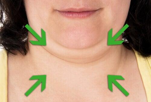 Tips og midler for å stramme opp halsen