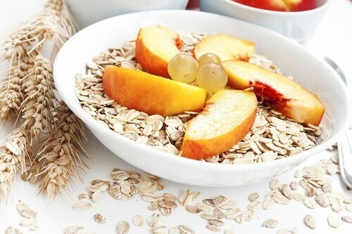 Frokostblanding med mye sukker og lite fiber bør unngås om kvelden