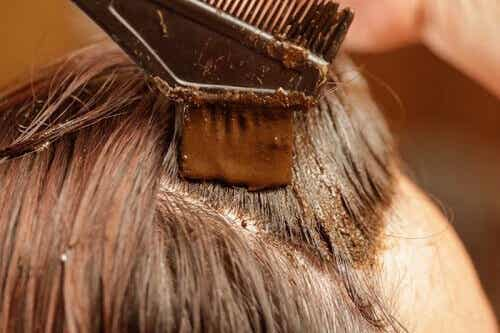 Henna: En sunn og naturlig måte å farge håret på