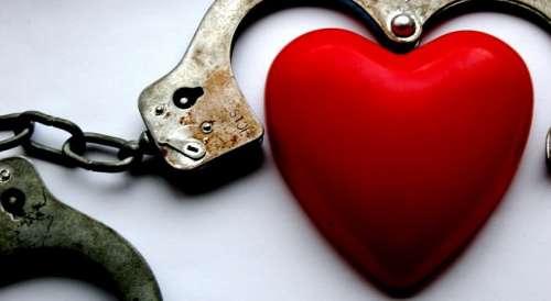 hjerte-håndjern