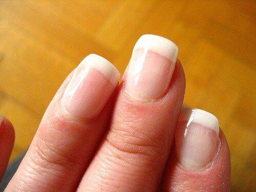 hvordan-gjøre-en-enkel-manicure