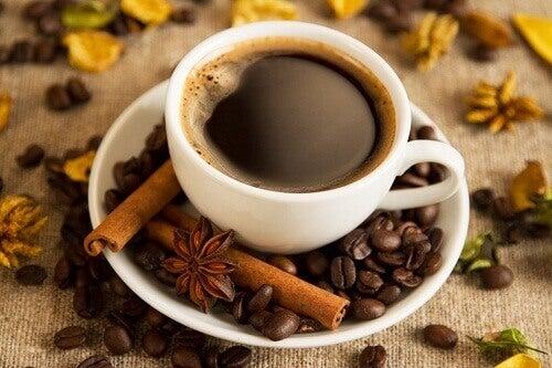 Ikke drikk kaffe om kvelden
