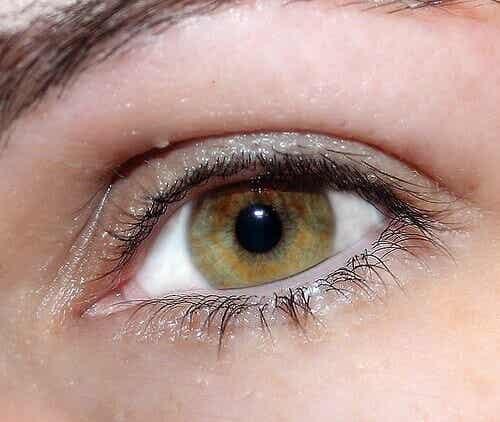 Hemmeligheter for naturlig strålende øyne