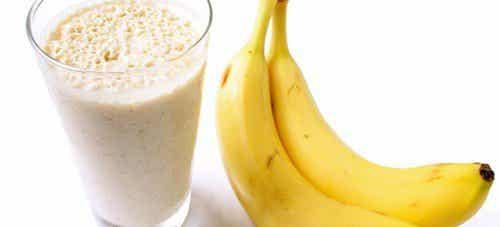 Bekjempe væskeansamling med banansmoothies