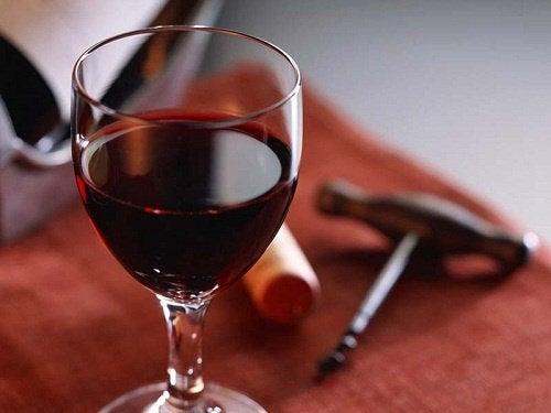 10 ukjente og fantastiske fordeler med rødvin
