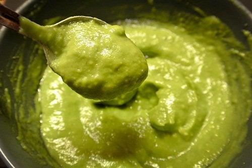 Avokado er sunt for grått hår