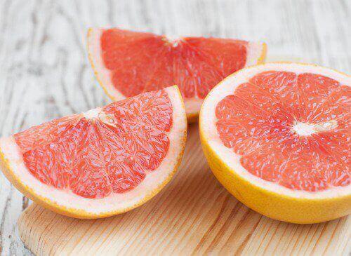 Gå ned i vekt med grapefruktjuice etter måltidet