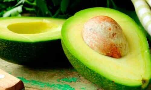 11 naturlige behandlinger med avokado