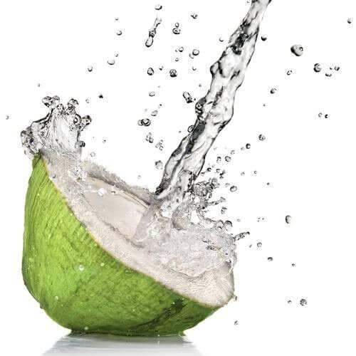 Kokosvann forbedrer fordøyelsen