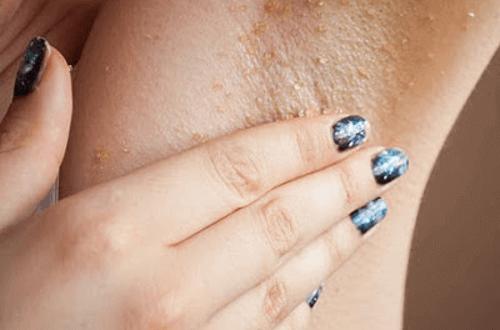 Enkle hjemmemetoder for bleking av armhulene