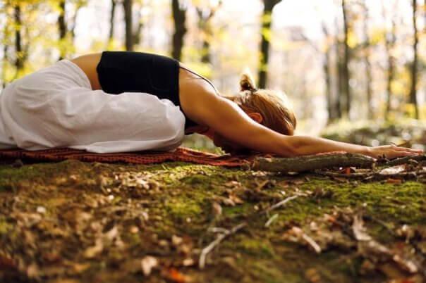 Yoga mot mellomgulvsbrokk