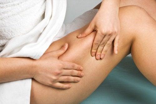 Behandle cellulittene med rent vann