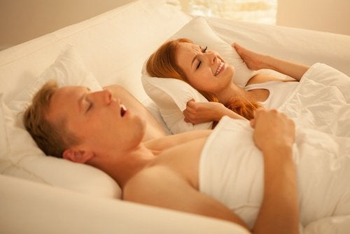 Tips og hjemmeremedier mot snorking