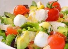 Unngå oppblåsthet og rens kroppen med denne salaten - hovedbilde