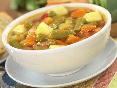 hjemmelaget grønnsakssuppe