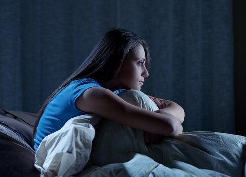 kvinne med søvnløshet