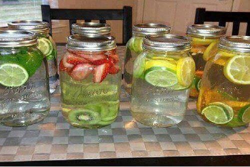 8 helbredende, smakstilsatte vann du må prøve