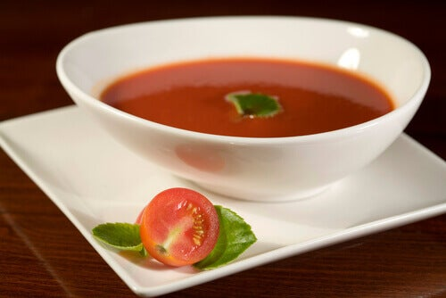 tomat-suppe