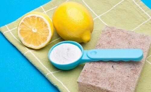 Hvordan rengjøre huset på en naturlig og rimelig måte