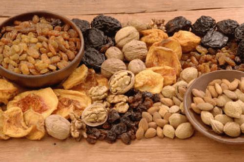 2-nøtter-og-tørket-frukt