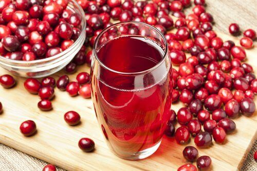 Drikk tranebærjuice sammen med frokosten din