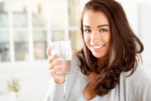 4-drikk-mer-vann