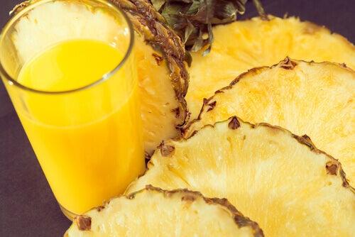 Ananas er rik på C-vitamin og antioksidanter
