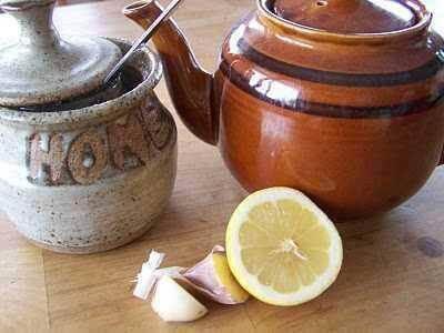 hvitløk, sitron og honning