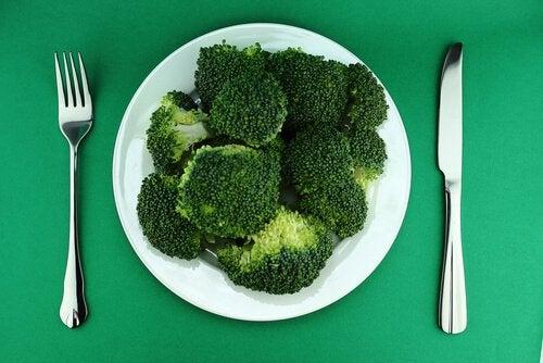Brokkoli er en liten hovedrett i seg selv