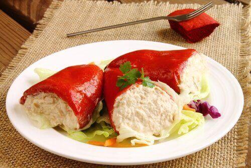 Fylte paprika med quinoa og grønnsaker.