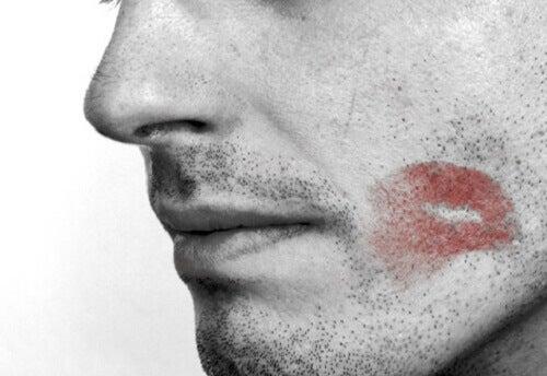 8 tegn på at partneren din er utro
