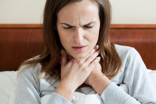 hva hjelper mot vondt i halsen