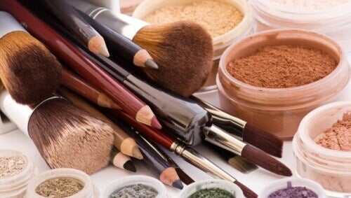 10 skjønnhetsprodukter du aldri bør dele med andre