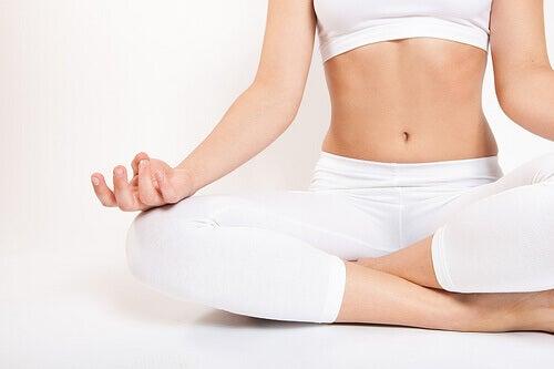hvordan unngå oppblåst mage massasje tantra