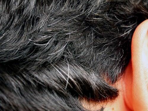 6 hjemmebehandlinger for tidlig grått hår