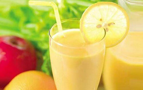 Smoothie med eple, sitron og grapefrukt for vekttap