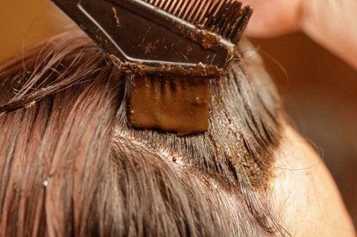 Farg håret med henna