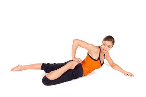 Strekkøvelser for å lindre ryggsmerter