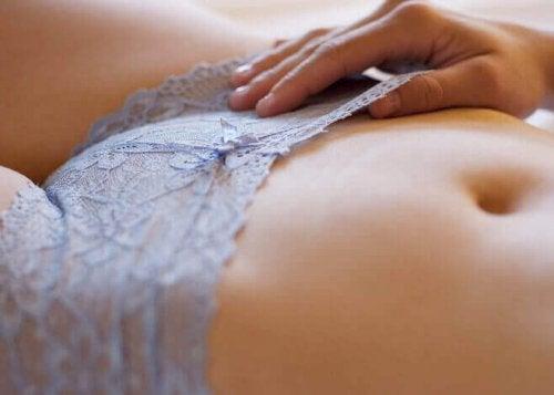Er det skadelig å fjerne kjønnshår?